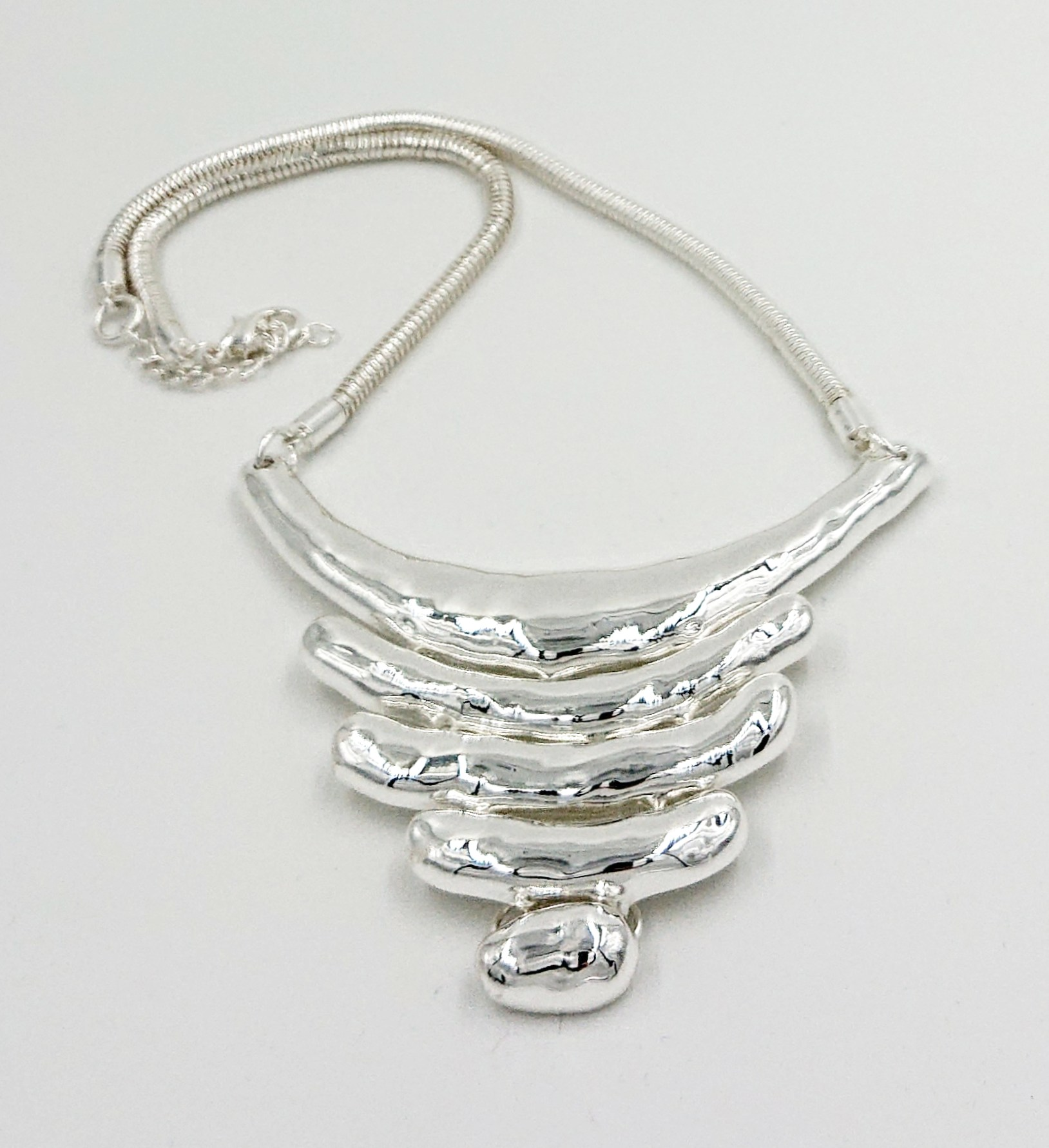silver 5 bar short necklace