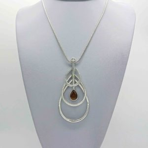 Famile Necklace